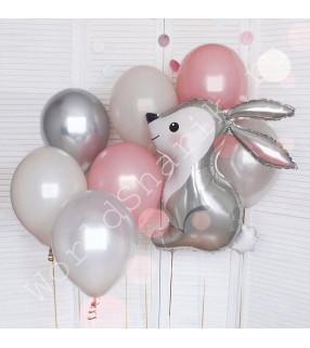Композиция воздушных шаров с зайкой
