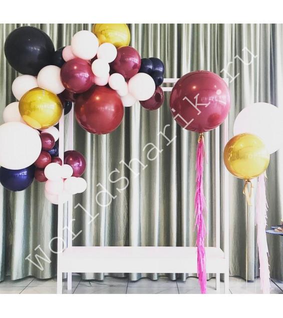 Фотозона из шаров (арка и большие шары)