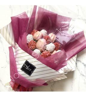 Сладкий букет из клубники (розовый)